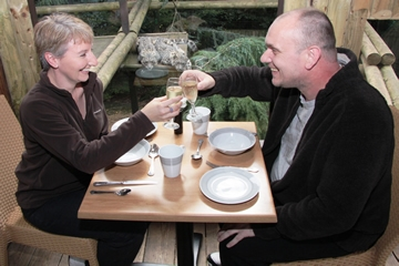 Champagne Breakfast with the Snow Leopards for Two - 40th Birthday Experiences For Couples