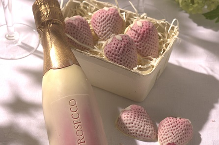 Chocolate Prosecco and Strawberries -  Birthday Your Proposal - Engagement Gifts