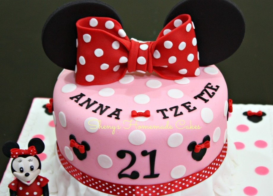 Minnie Mouse 21st Birthday Cake